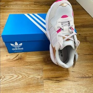 Adidas falcon for small size women
